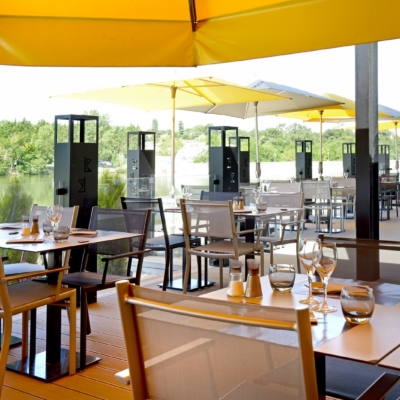 le-kabestan-terrasse-exterieur-parasol